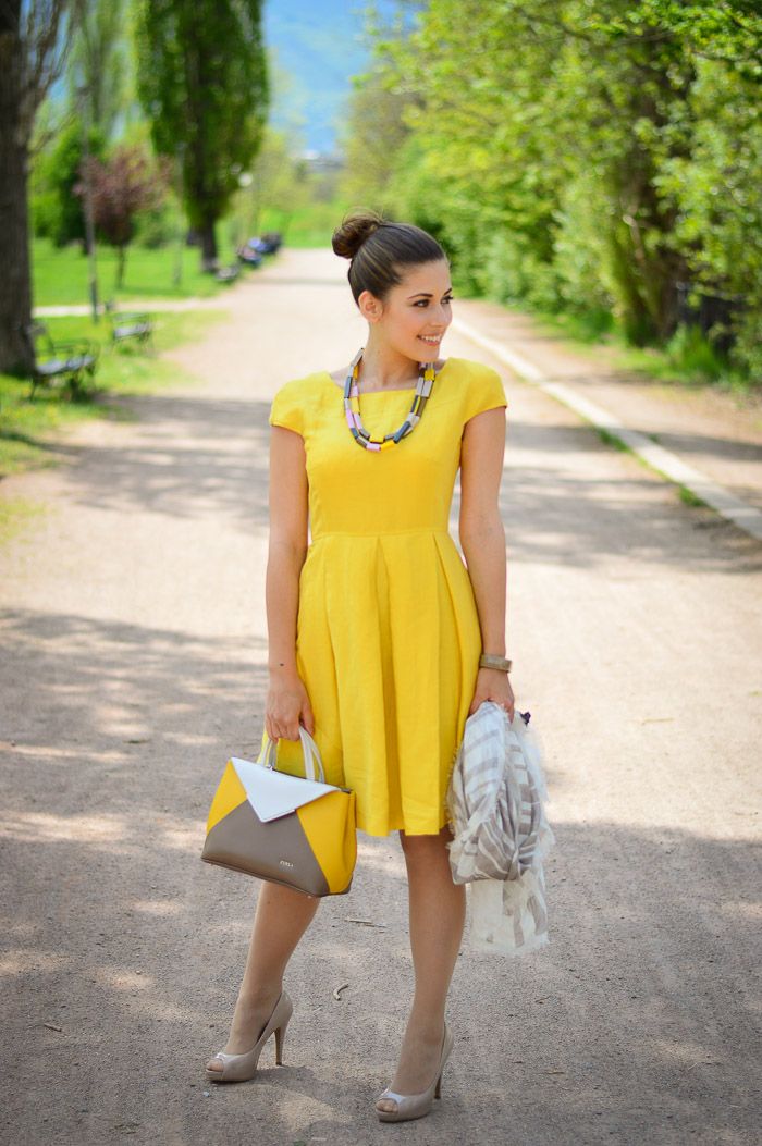 Yellow Dress Weekend Max Mara Summer Fashion Bulgaria Mall Denina Martin