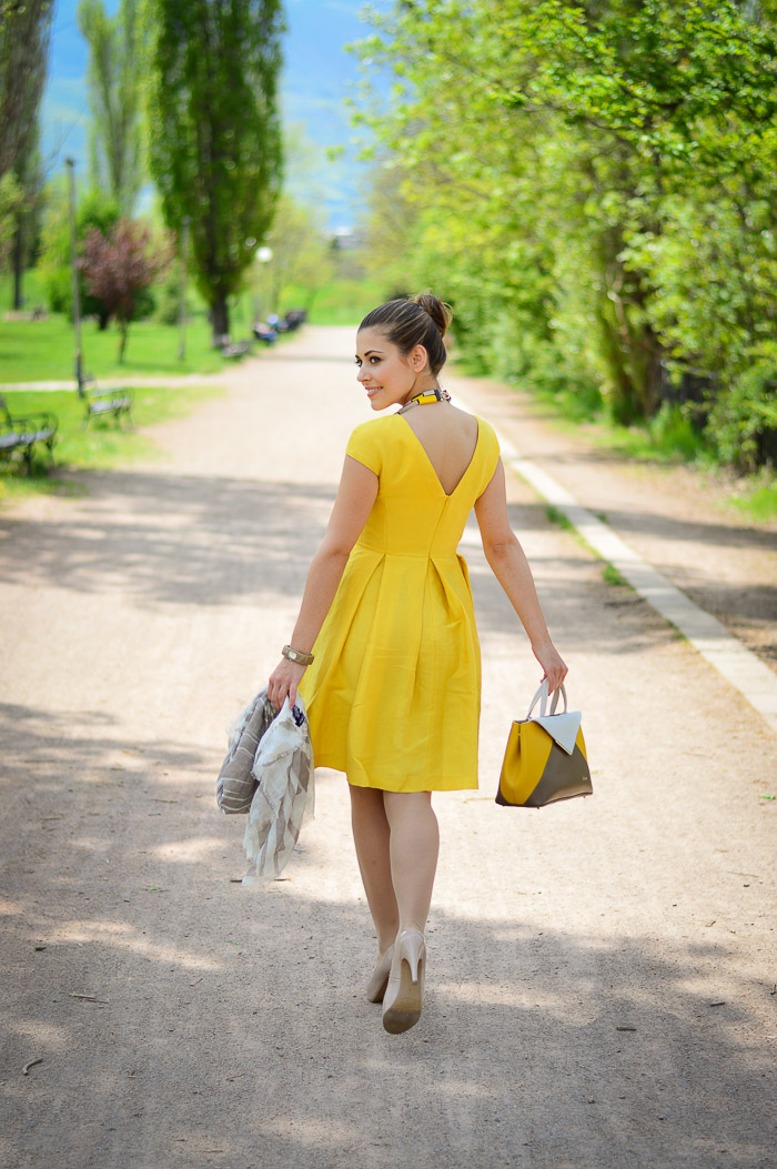 Yellow Dress Bulgarian Fashion Blogger Bulgaria Mall Denina Martin