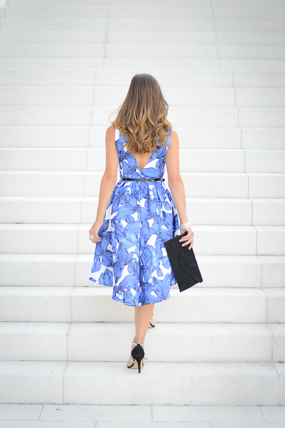 Bulgarian Fashion blogger Denina Martin wearing blue florals