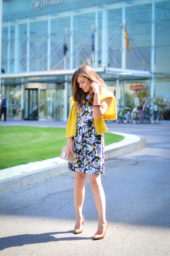 Benettom-Furla-Autmn-Outfit-Denina-Martin-Bulgaria-Mall-5