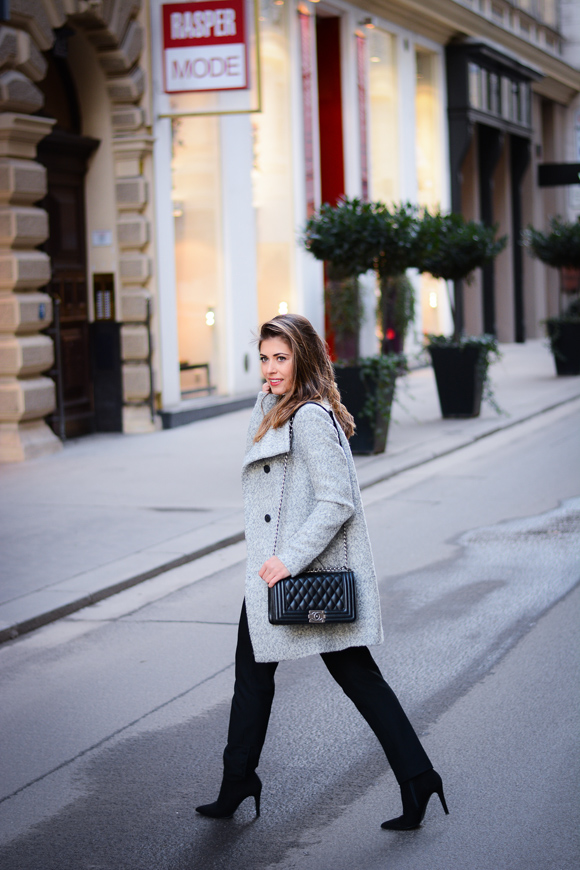 Vienna-Grey-Coat-Deniel-Wellington-December-Denina-Martin-3