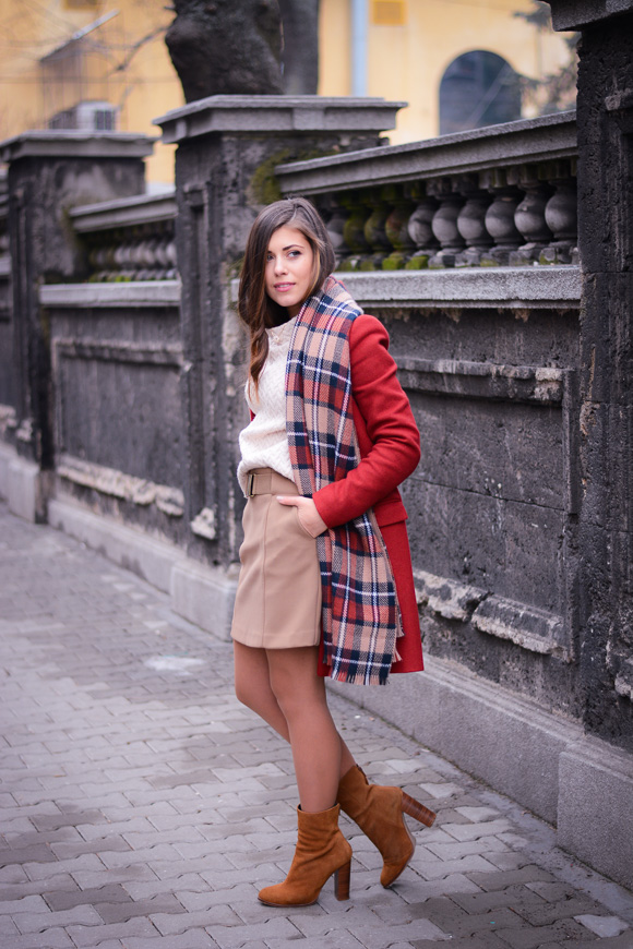 Bulgarian Fashion Blogger Denina Martin wearing a chic winter outfit