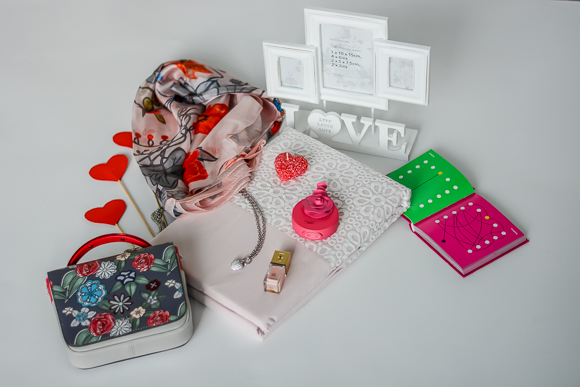 Valentines-Day-Gift-Guide-For-Her-For-Him-Bulgaria-Mall-Denina-Martin-2