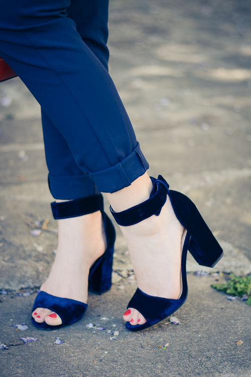 Fashion blogger Denina Martin wearing Sophie & Sam Navy Velvet Sandals