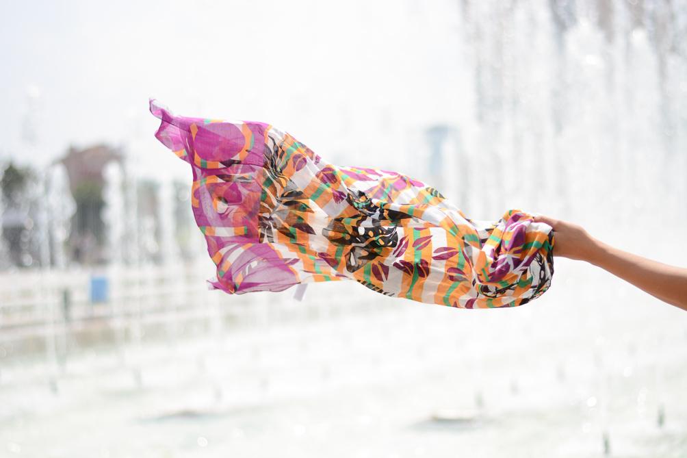 cc4c454b9f5 Liu Jo Fashion Blogger Denina Martin Liu Jo SCARF ...