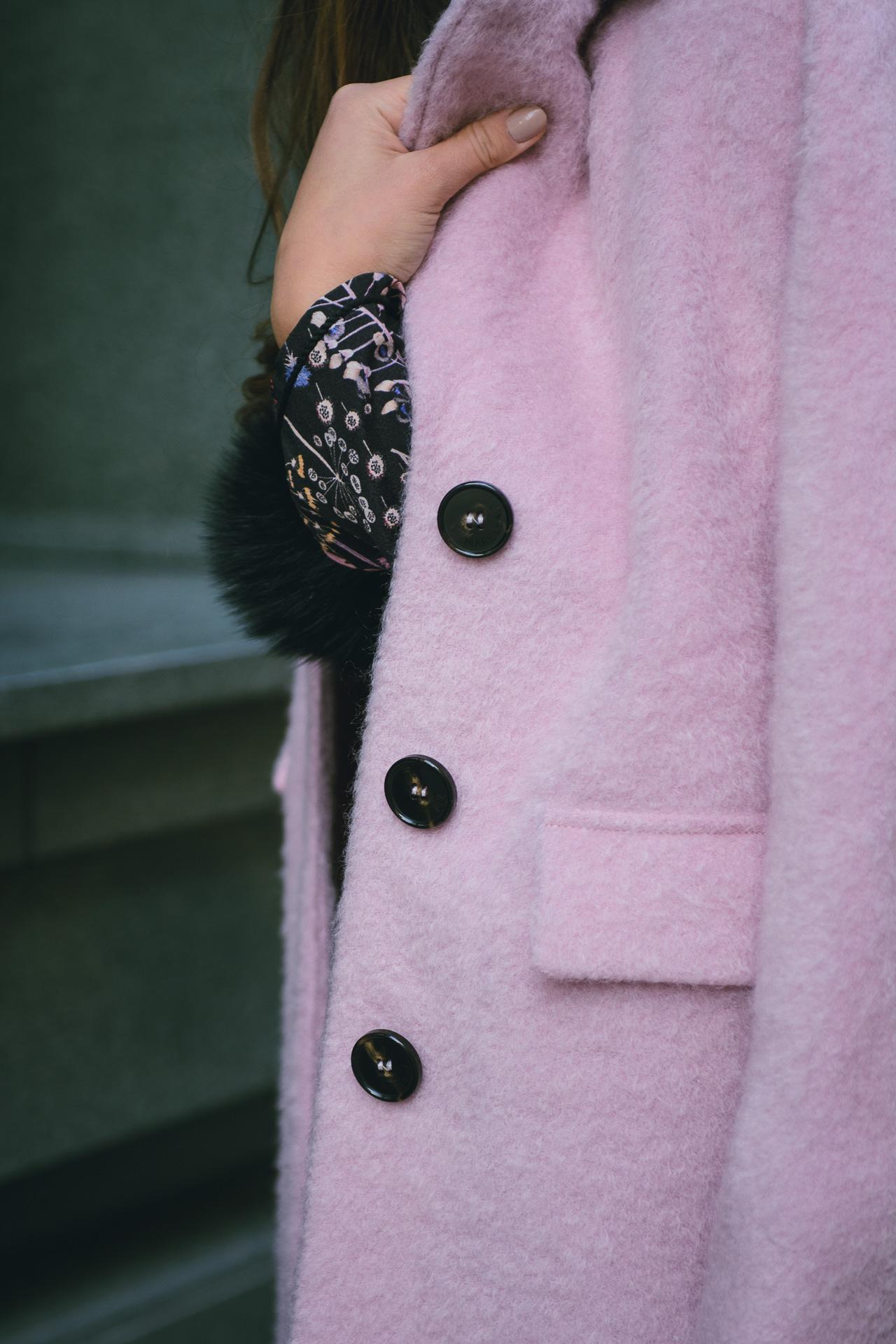 Pink coat MDL Bulgaria