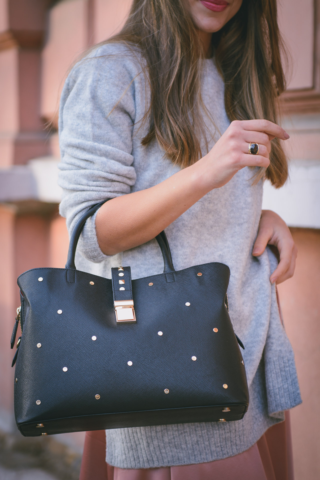 Giveaway handbag come together HM