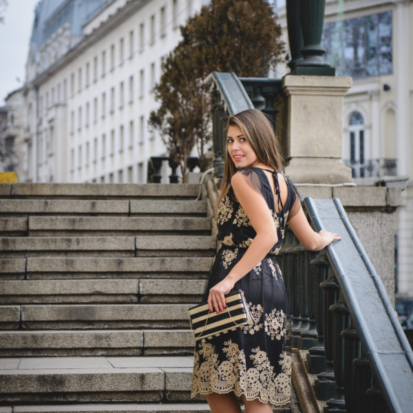 Fashion blogger wearing Pennyblack skirt top