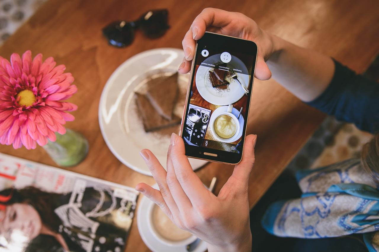 Alcatel shine lite phone fashion blog