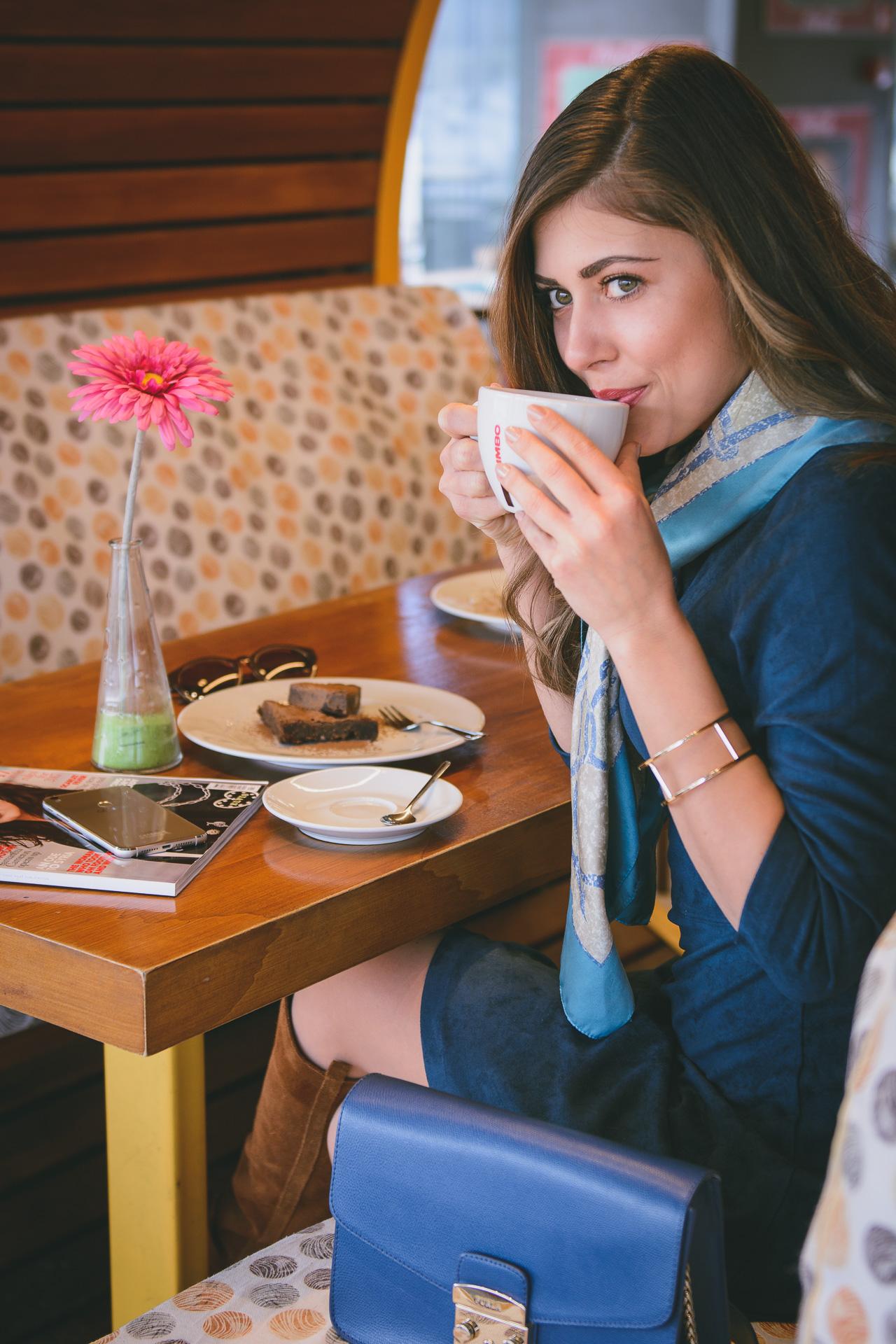 Cafe and bar Bulgarian fashion blogger