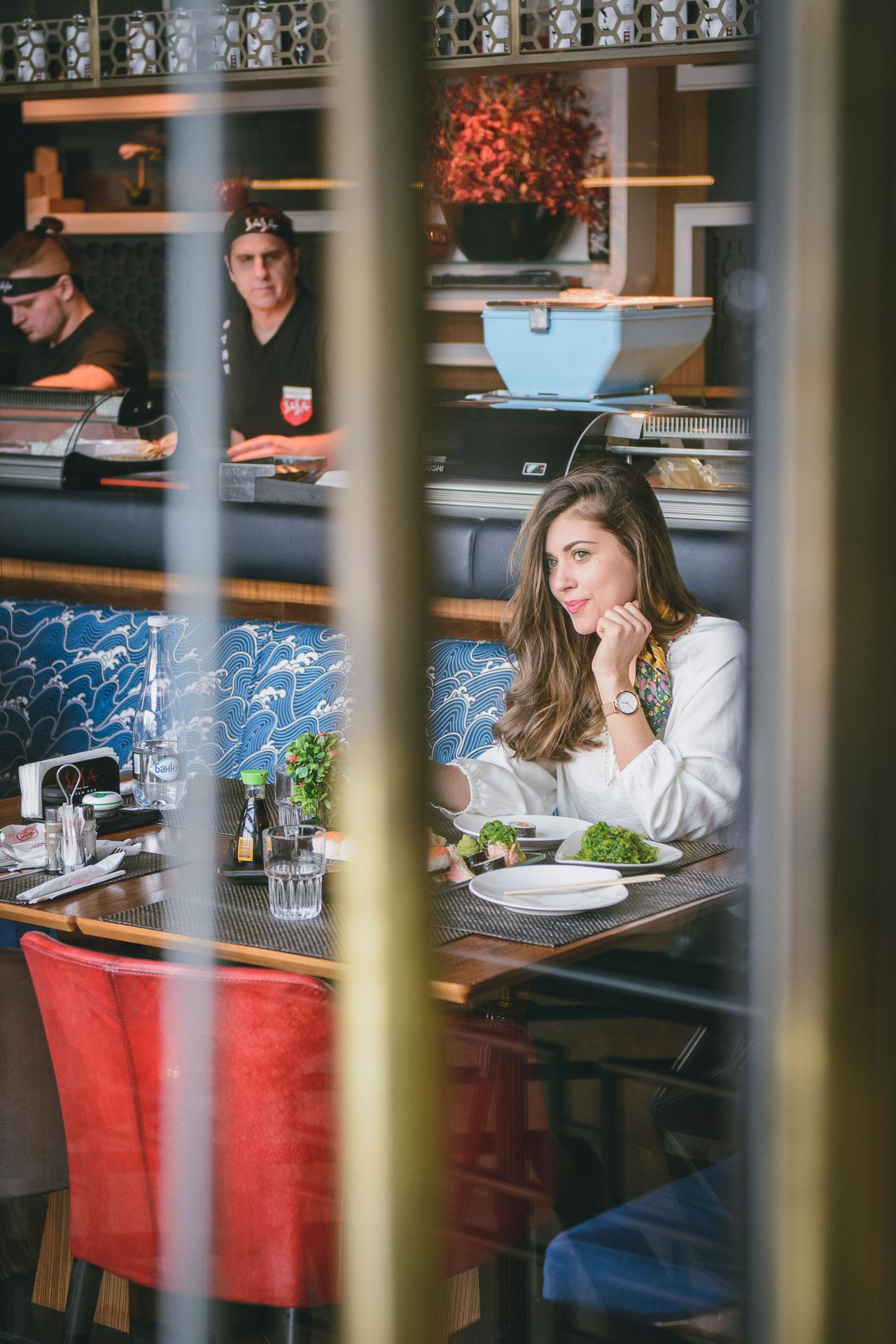 Fashion blogger at Sasa asian pub Sofia