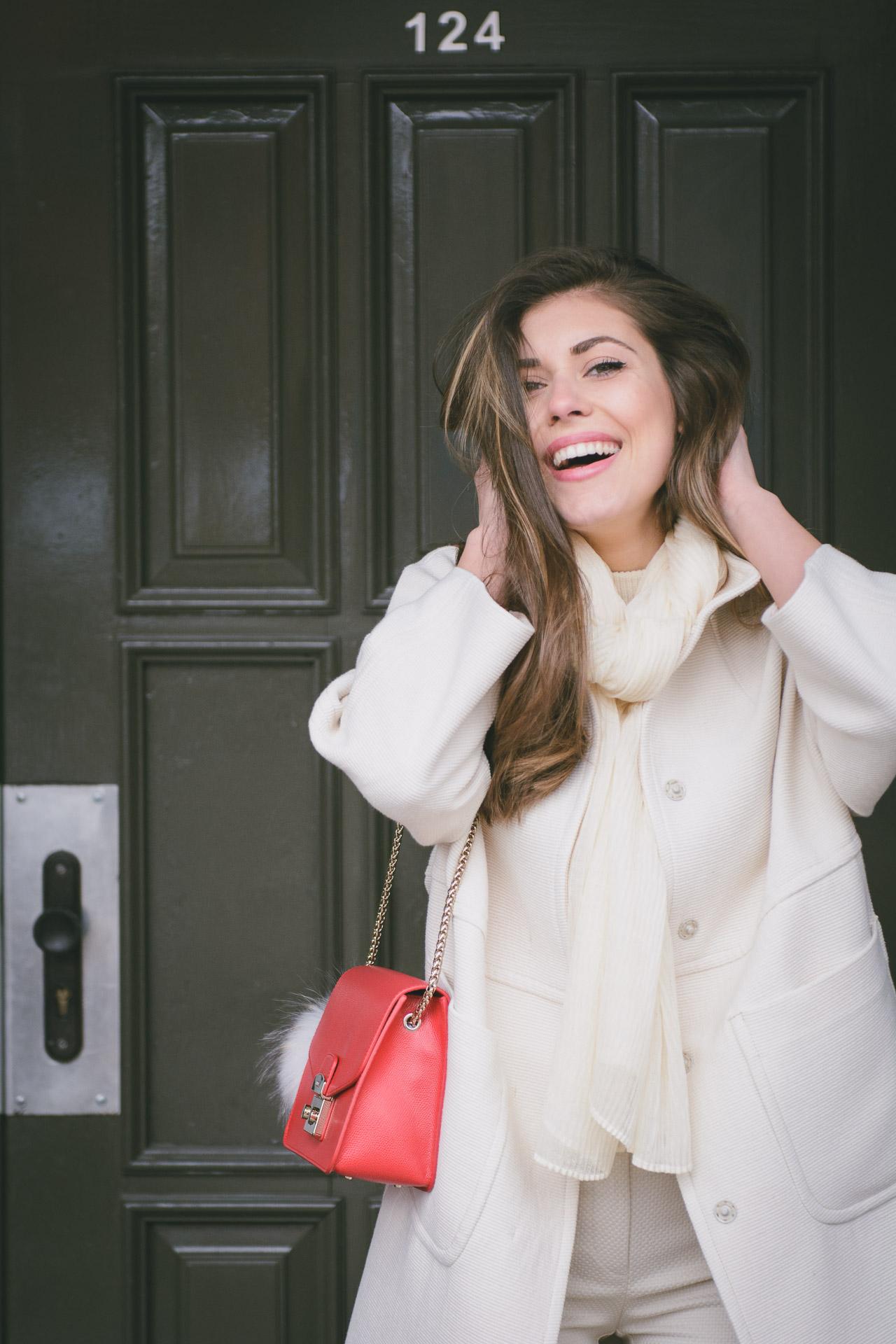 Fashion blogger wearing Benetton tonal dressing