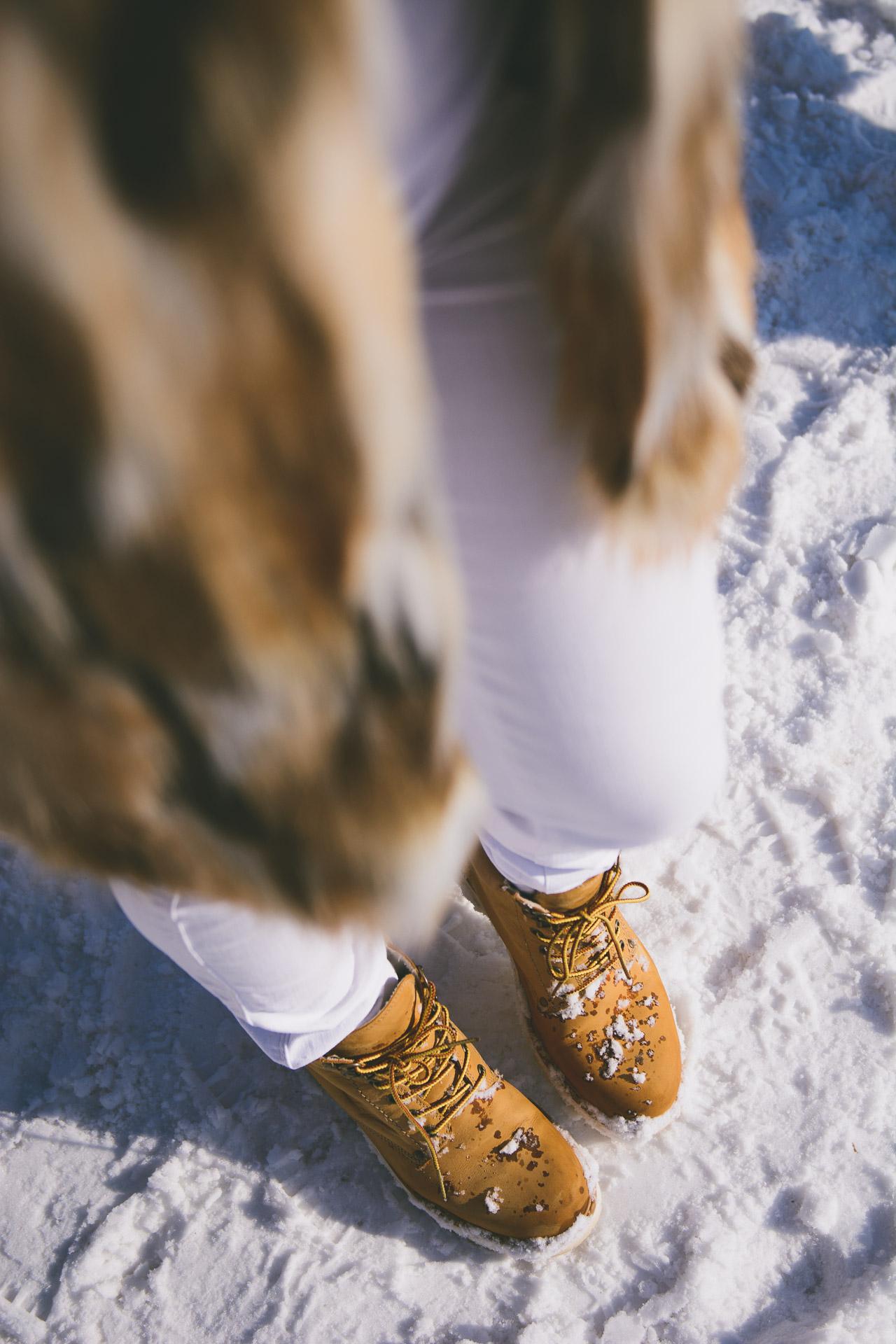 Snow shoes warm