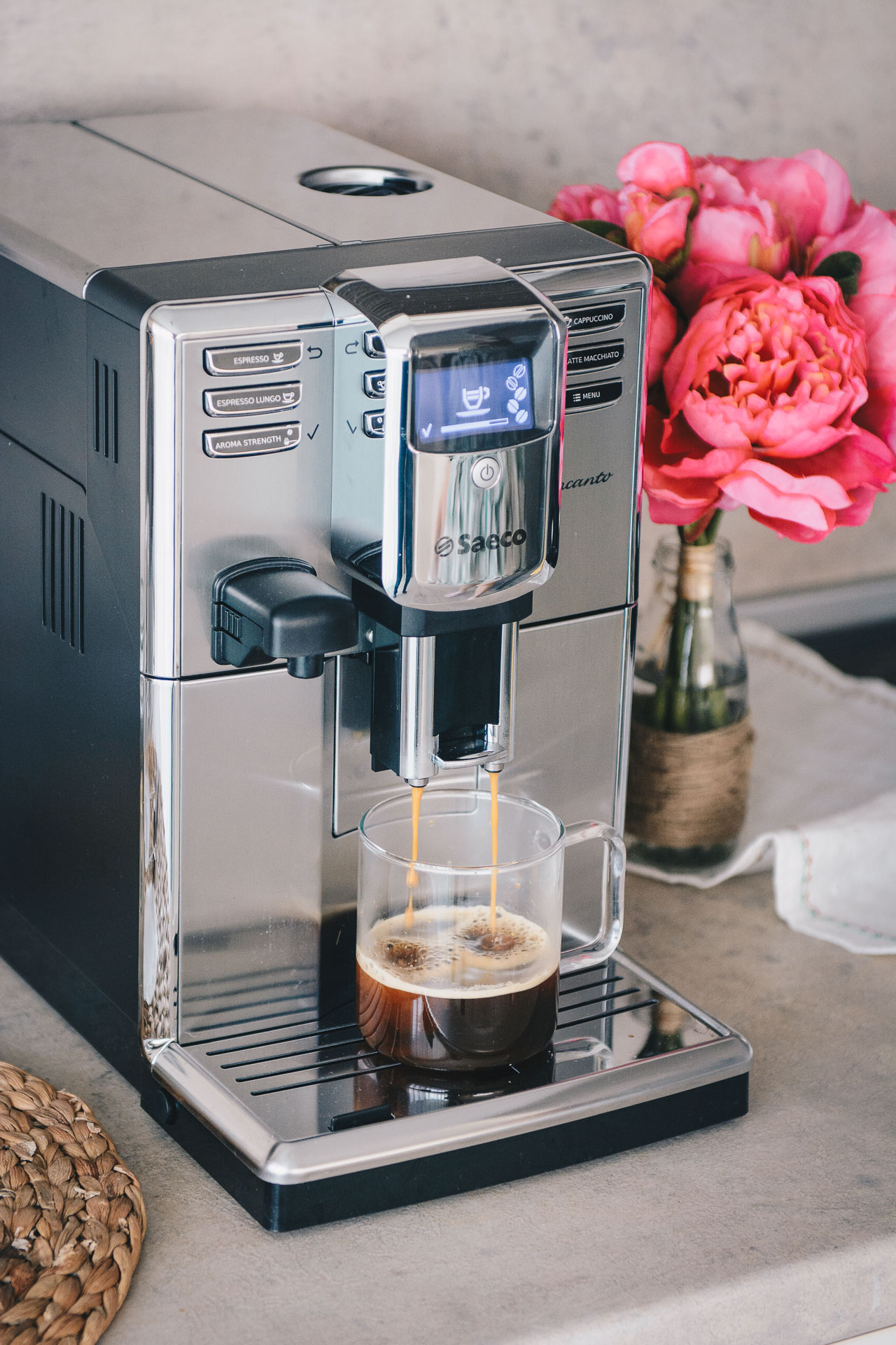 Saeco incanto coffee machine