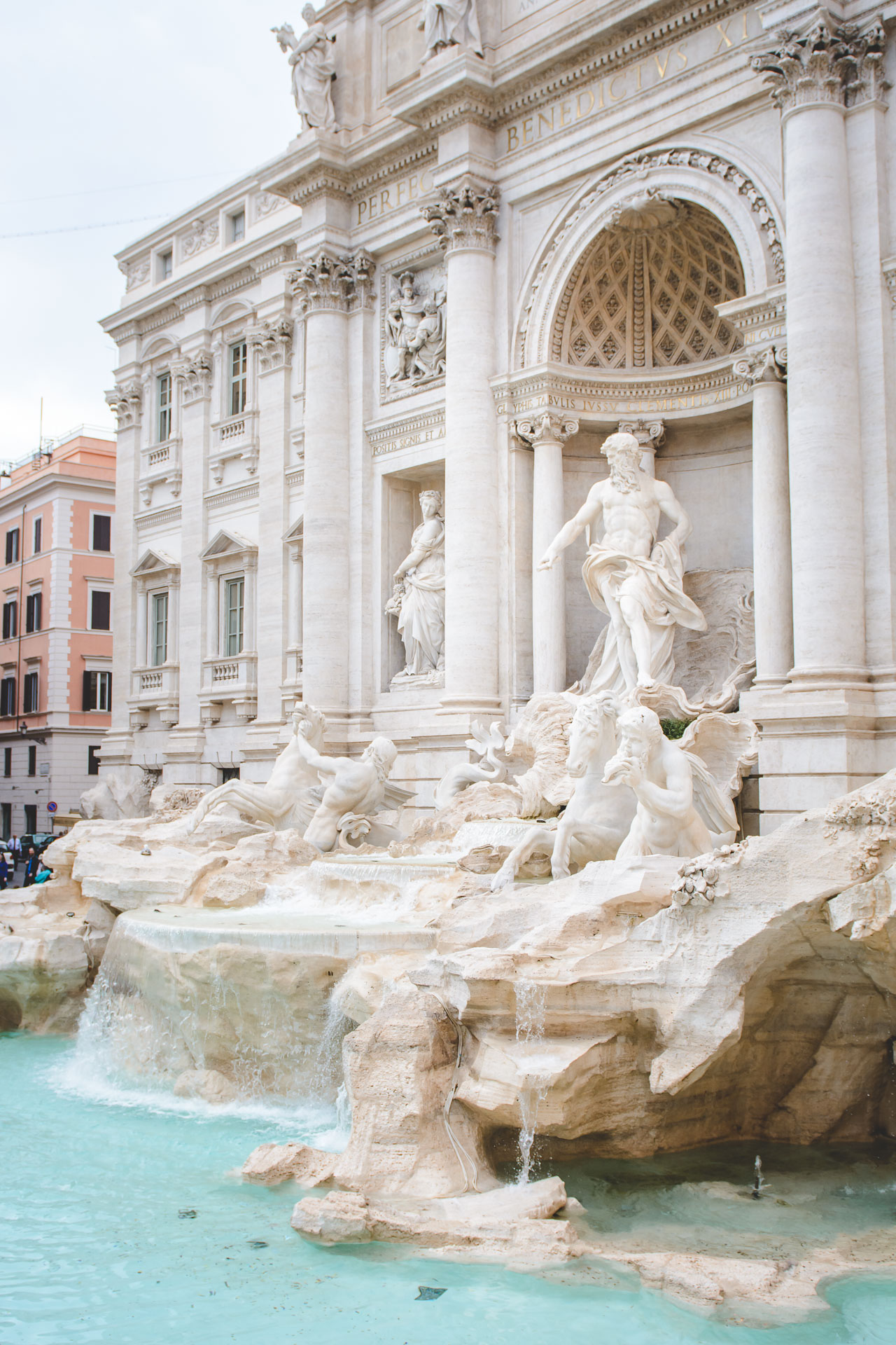 Fountain di Trevi blogger 2
