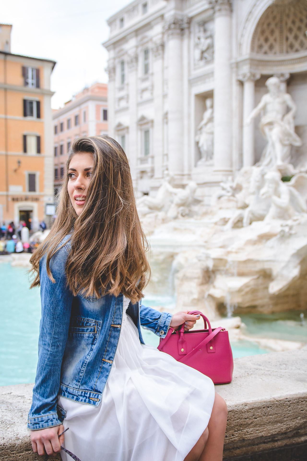 Fountain di Trevi blogger