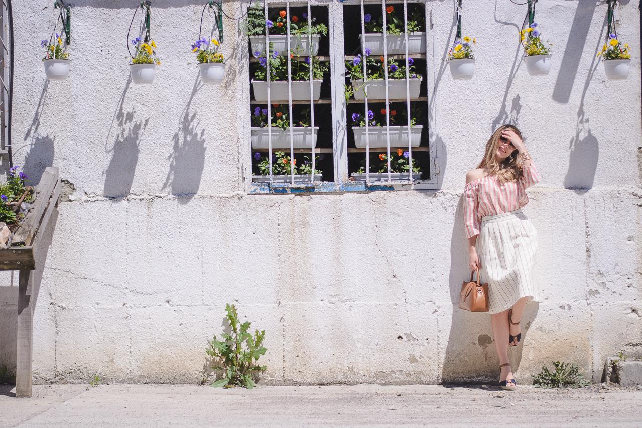 Fashion blogger wearing vero moda
