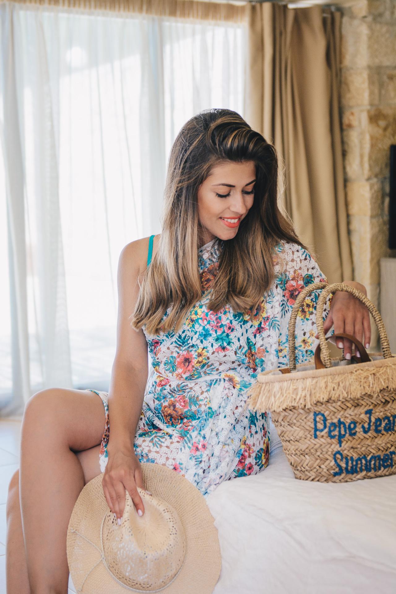 Моден блогър с Yamamay бански