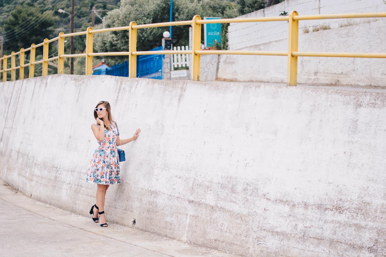 Tom Tailor blogger wearing floral dress