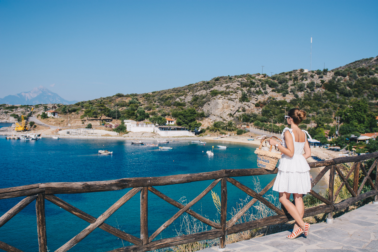 5 стъпки в пясъка - halkidiki midi white dress blogger