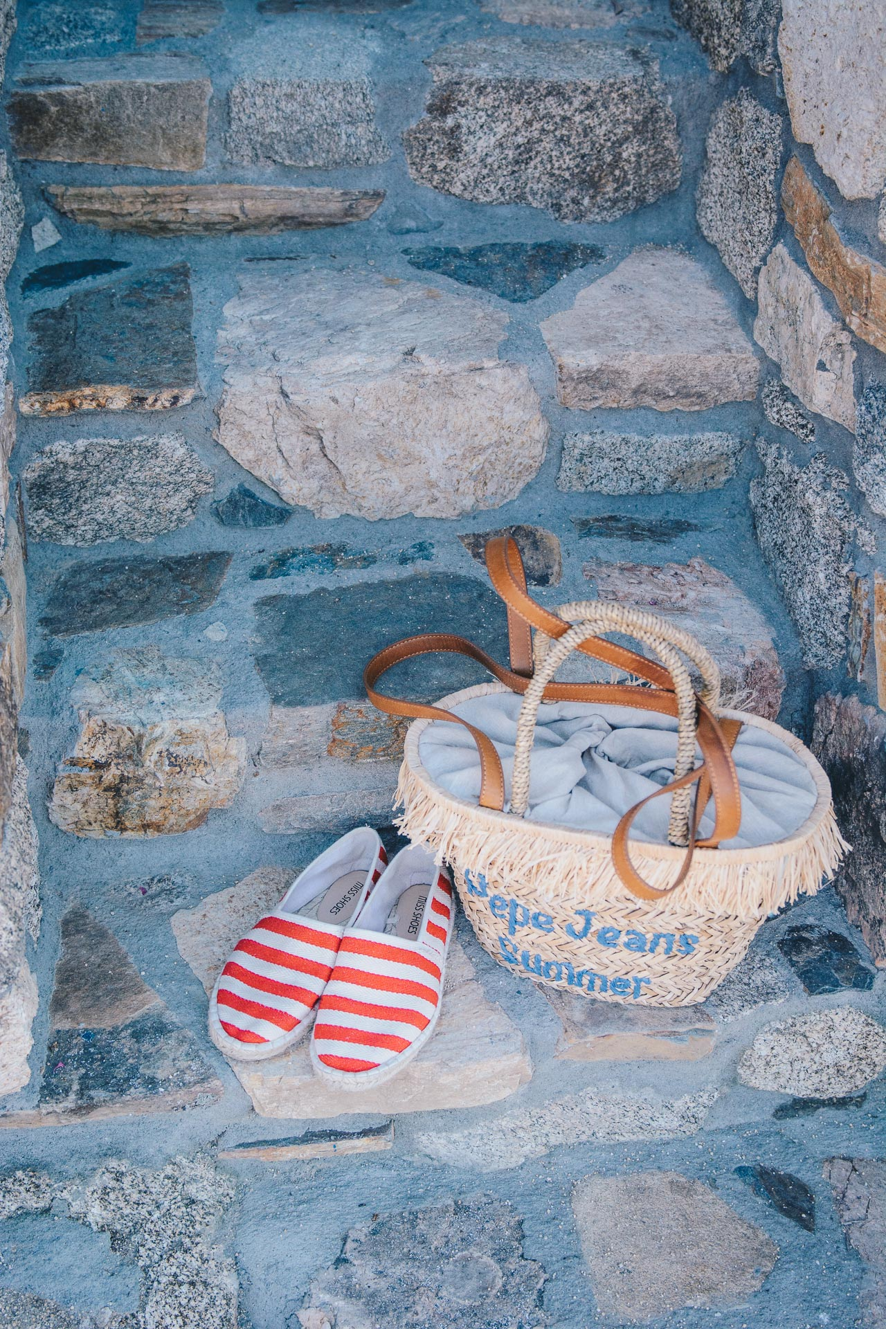 red espadrilles pepe jeans handbag