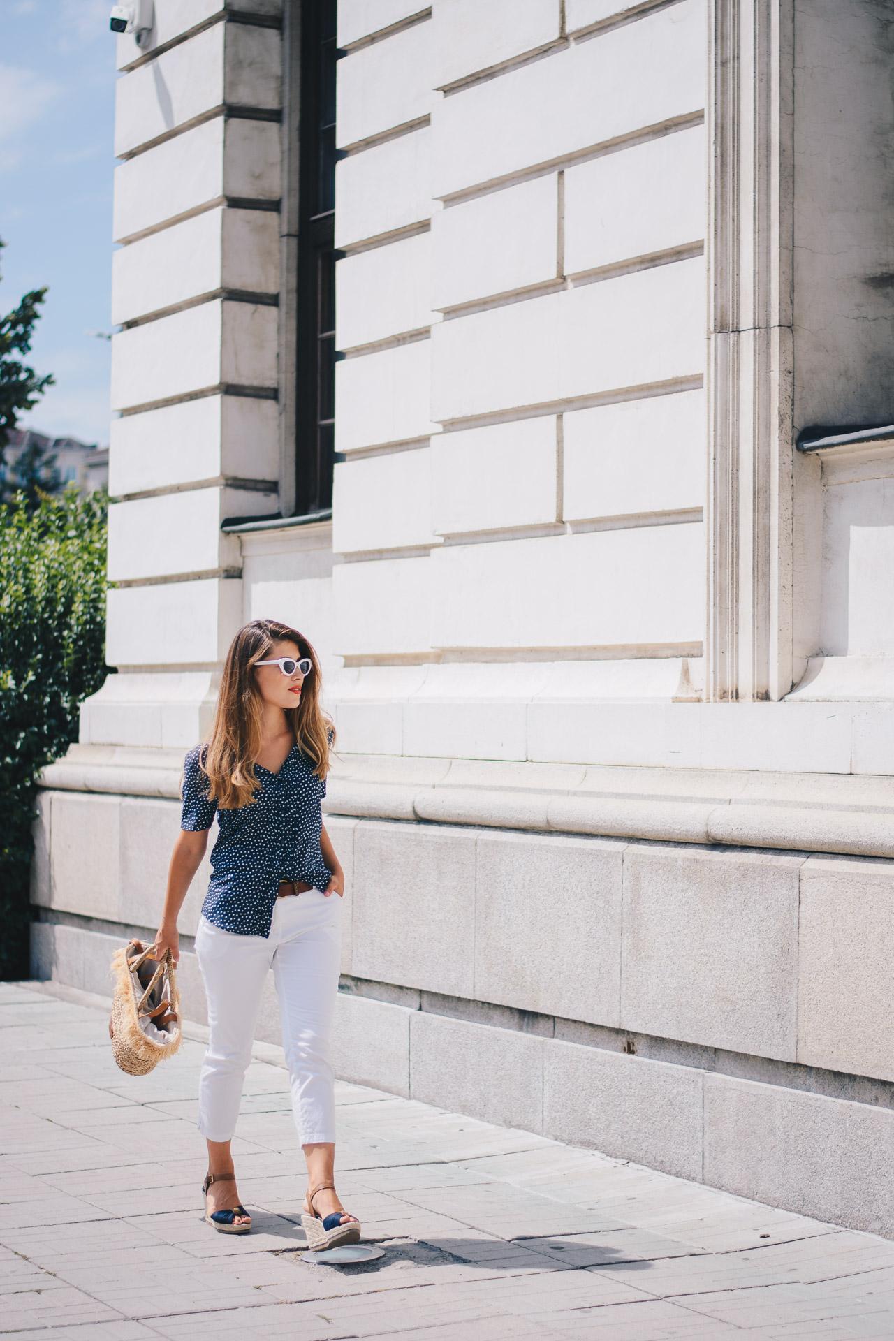 моден блогър риза на точици