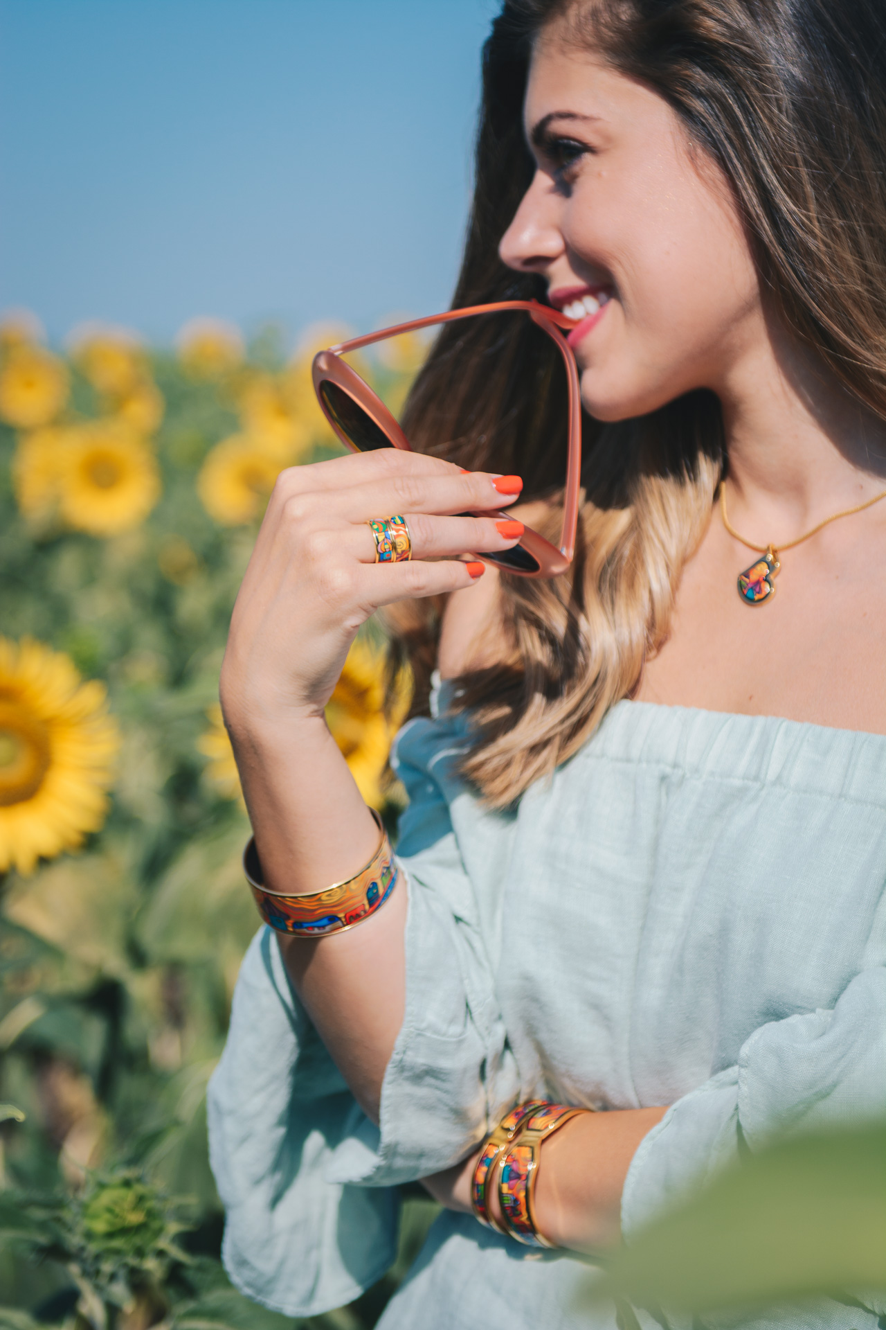 Beautyful blogger wearing freywille