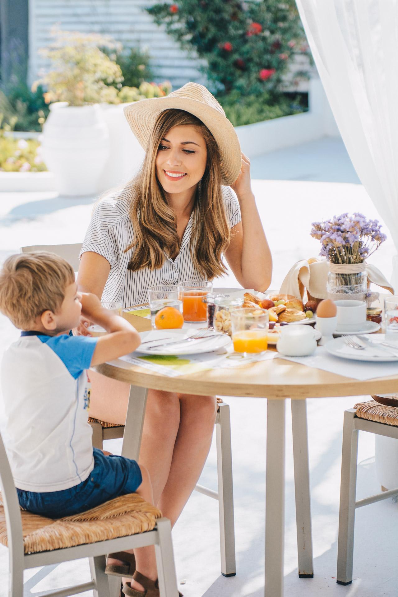 Breakfast nefeli mom and son 22062017