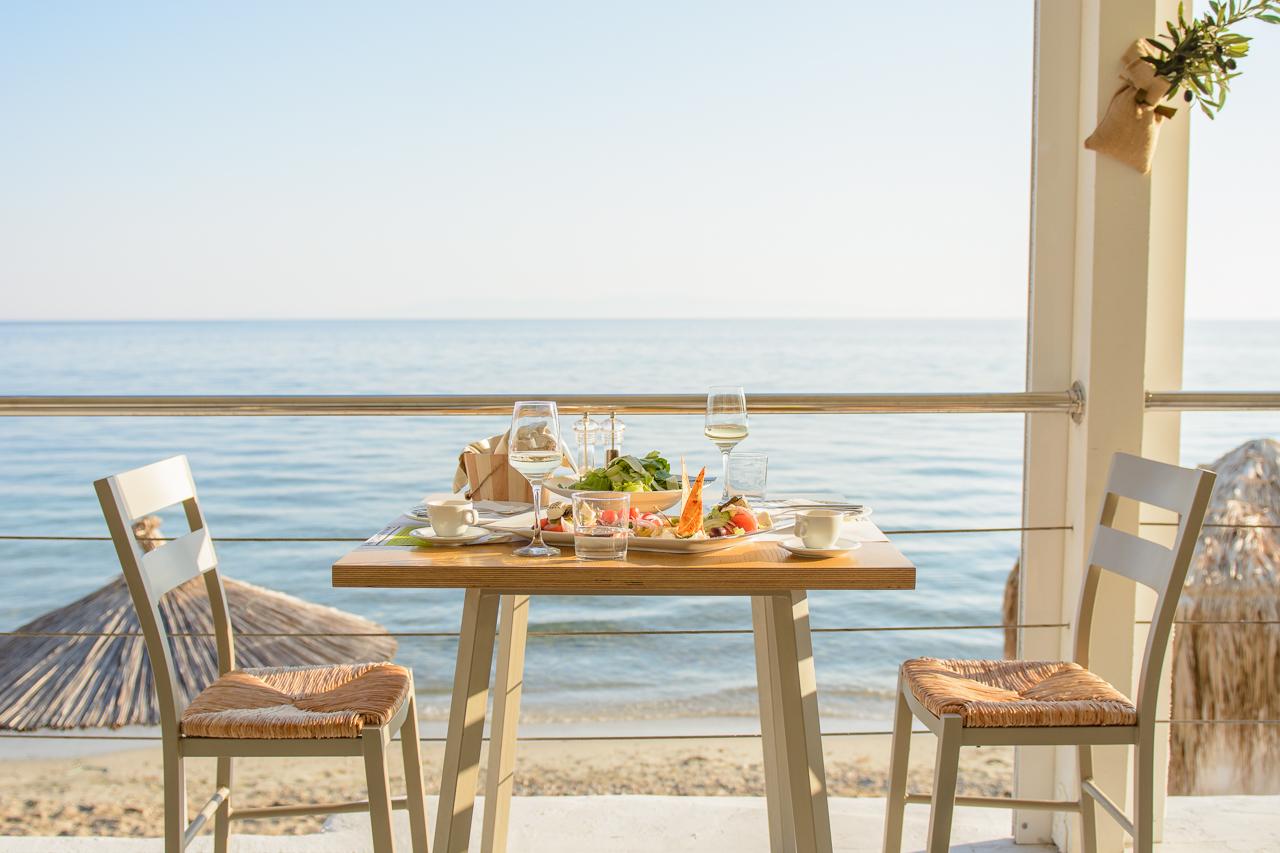 Aelia beach bar dinner