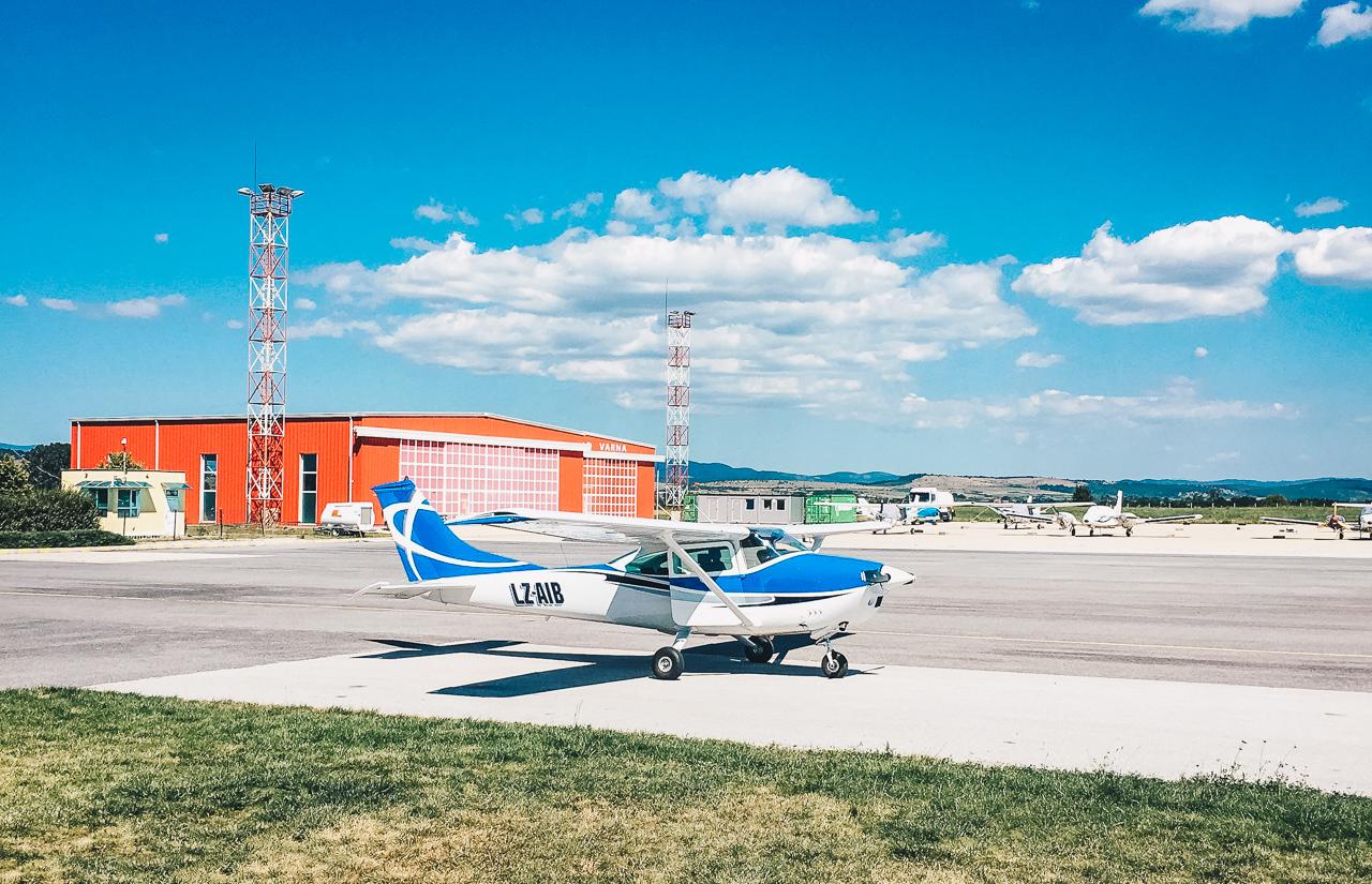 Jet Ops aircraft Lesnovo