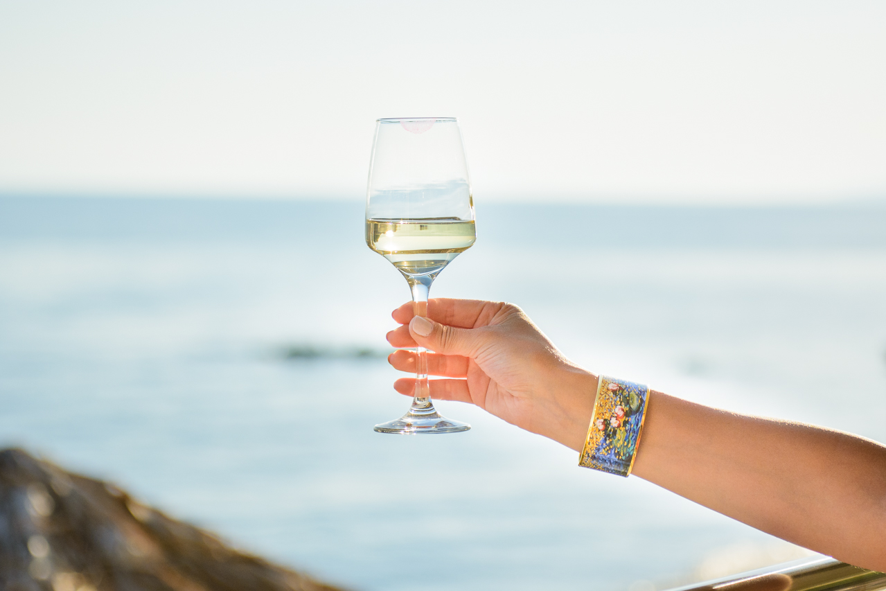 white wine at sunset freywille bracelet
