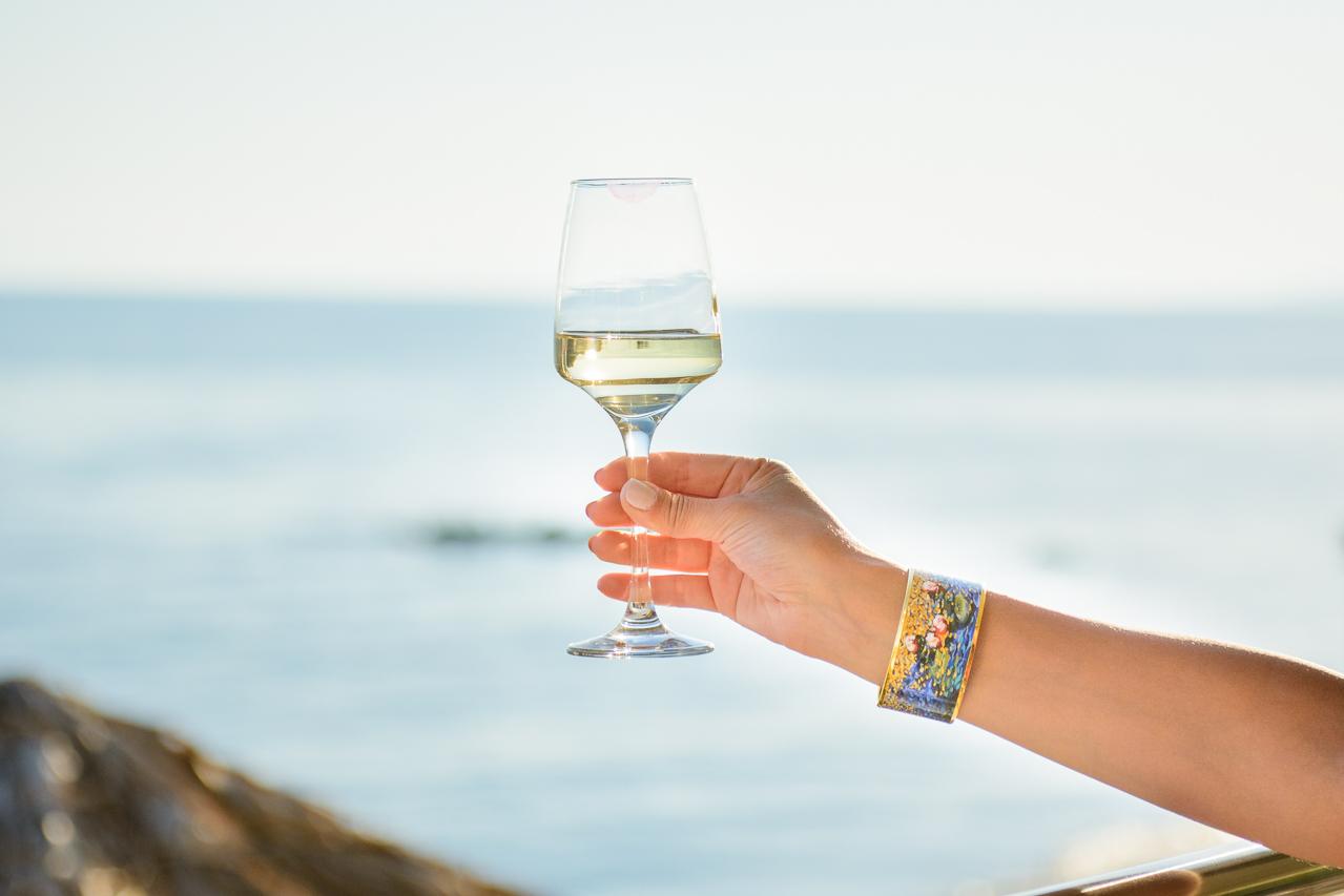 white wine at sunset freywille bracelet