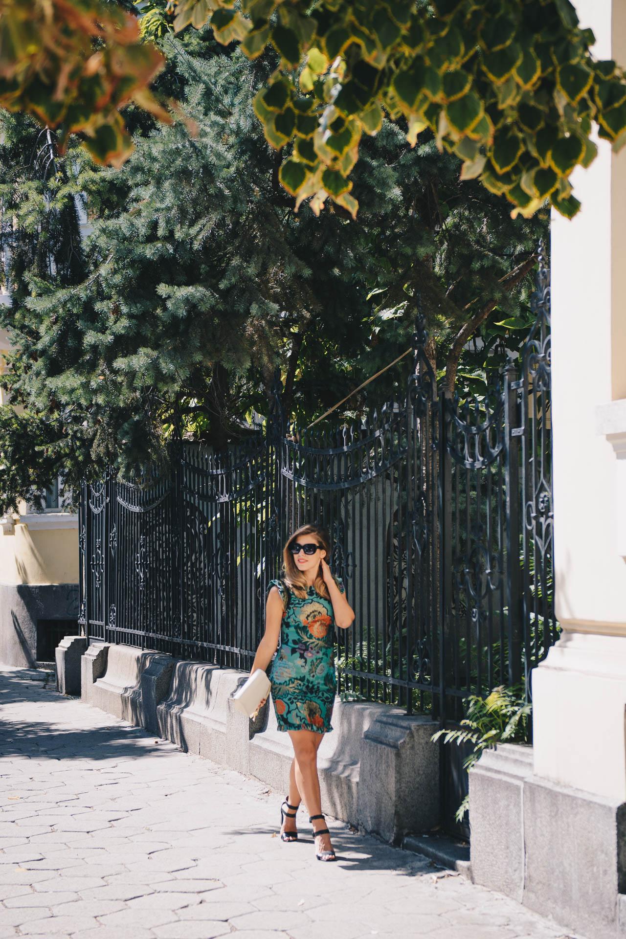 Autumn chic dress