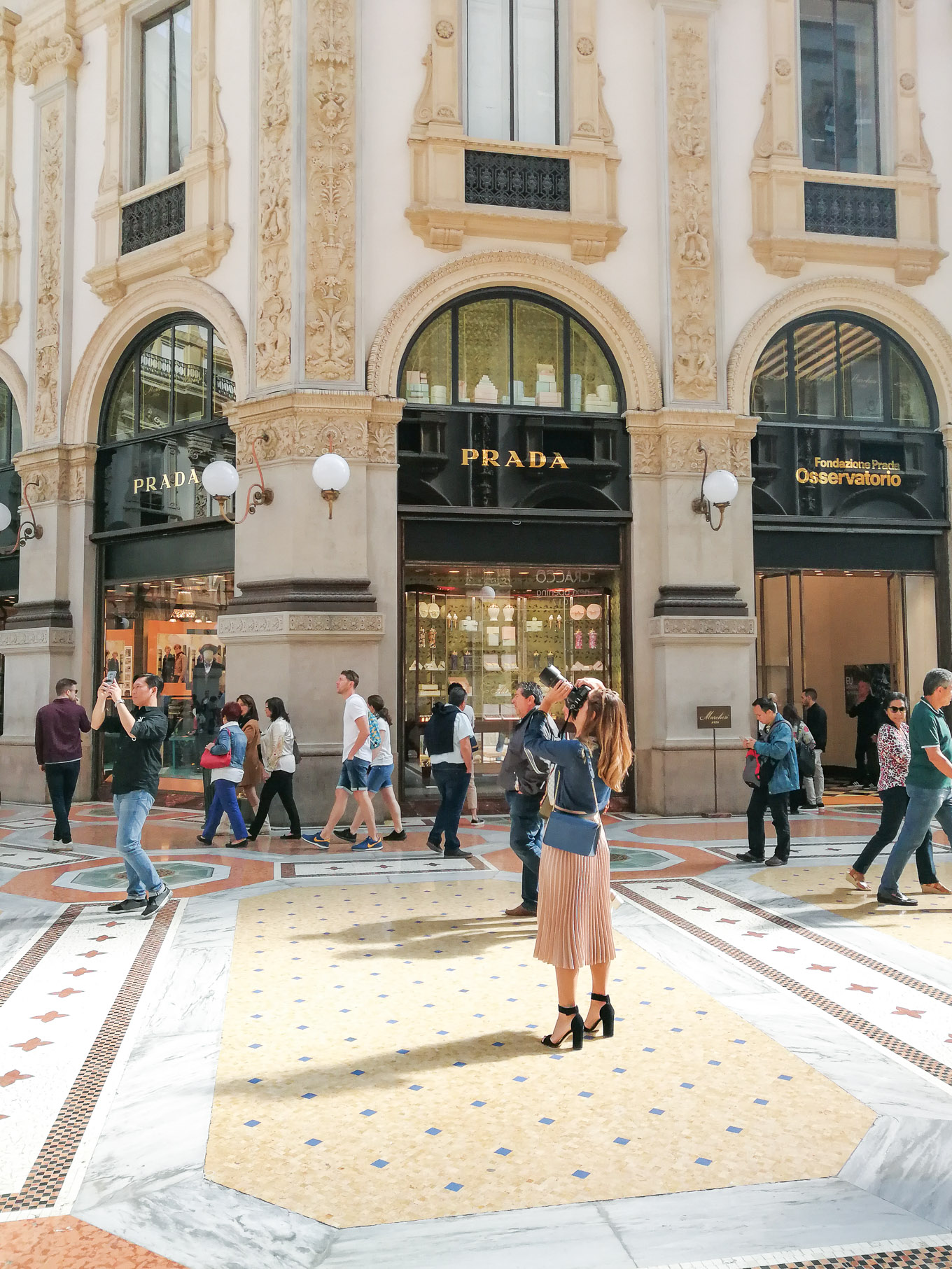 Shooting at Galleria Vittorio emanuele