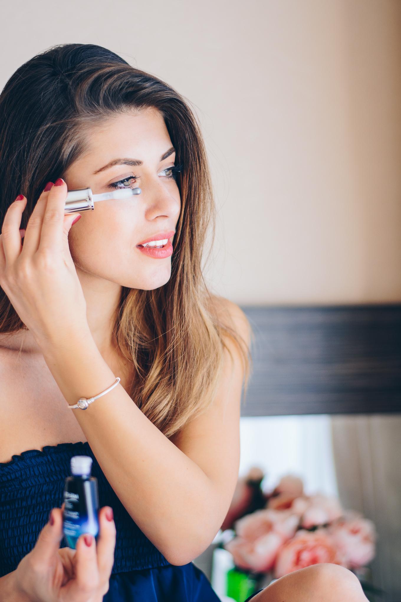 Нанасяне Biotherm blue therapy eye opening serum