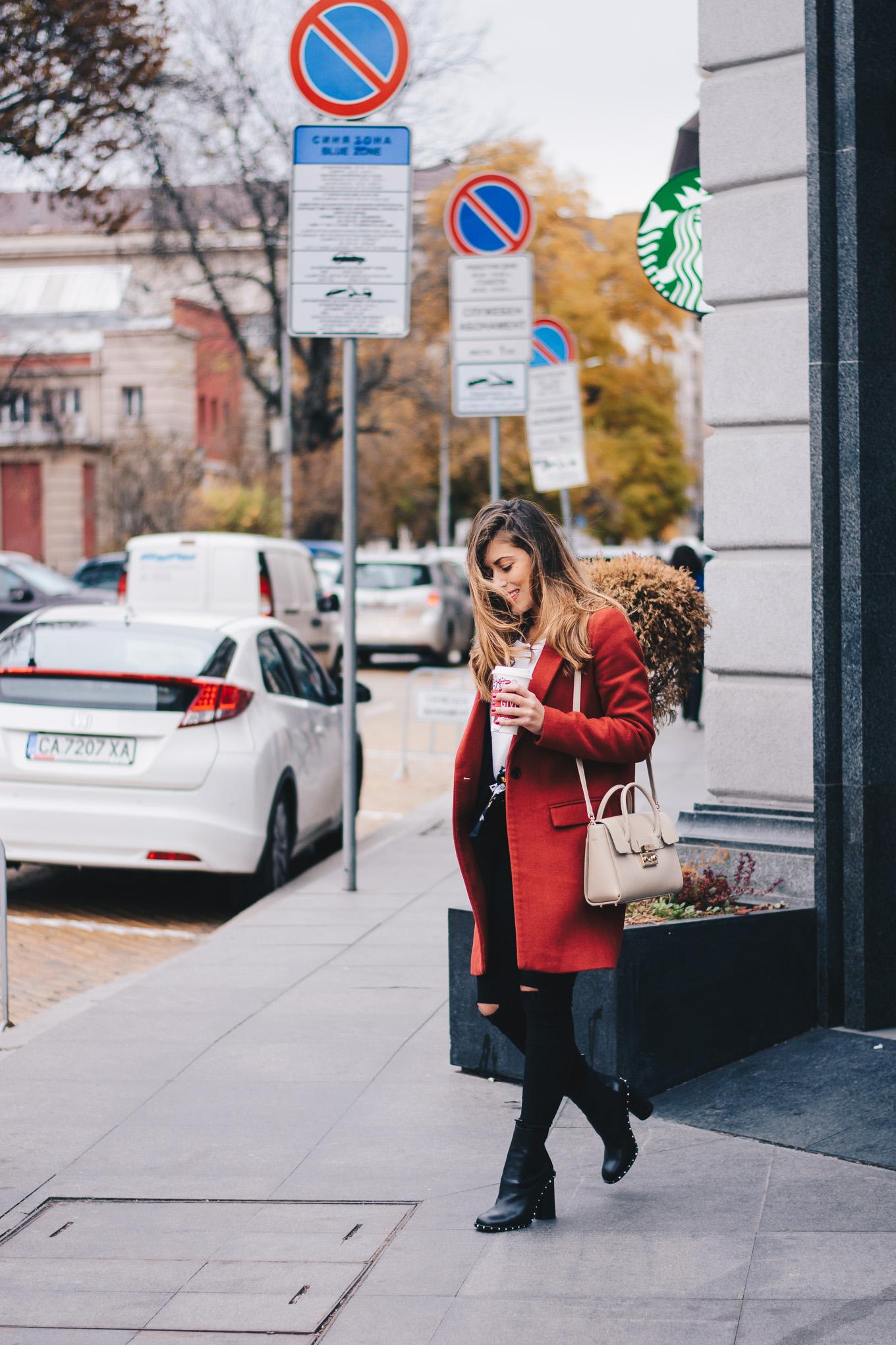 Week days wearing red coat Ingiliz boots