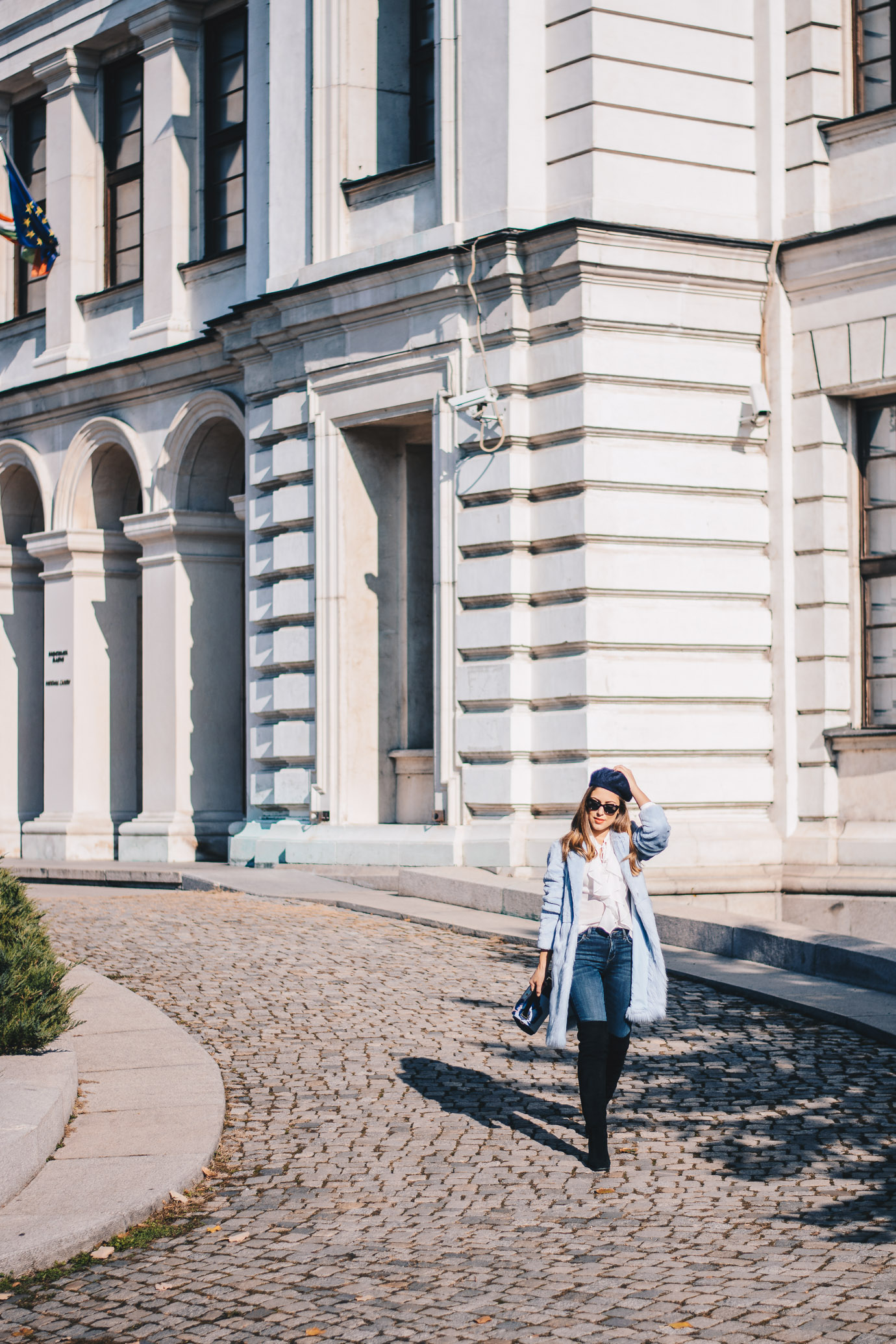 blue coat Liu Jo blogger