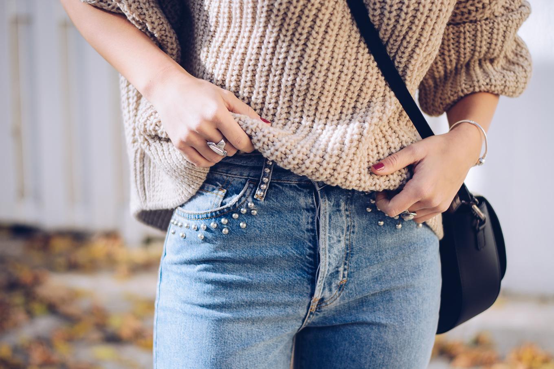 details mom jeans