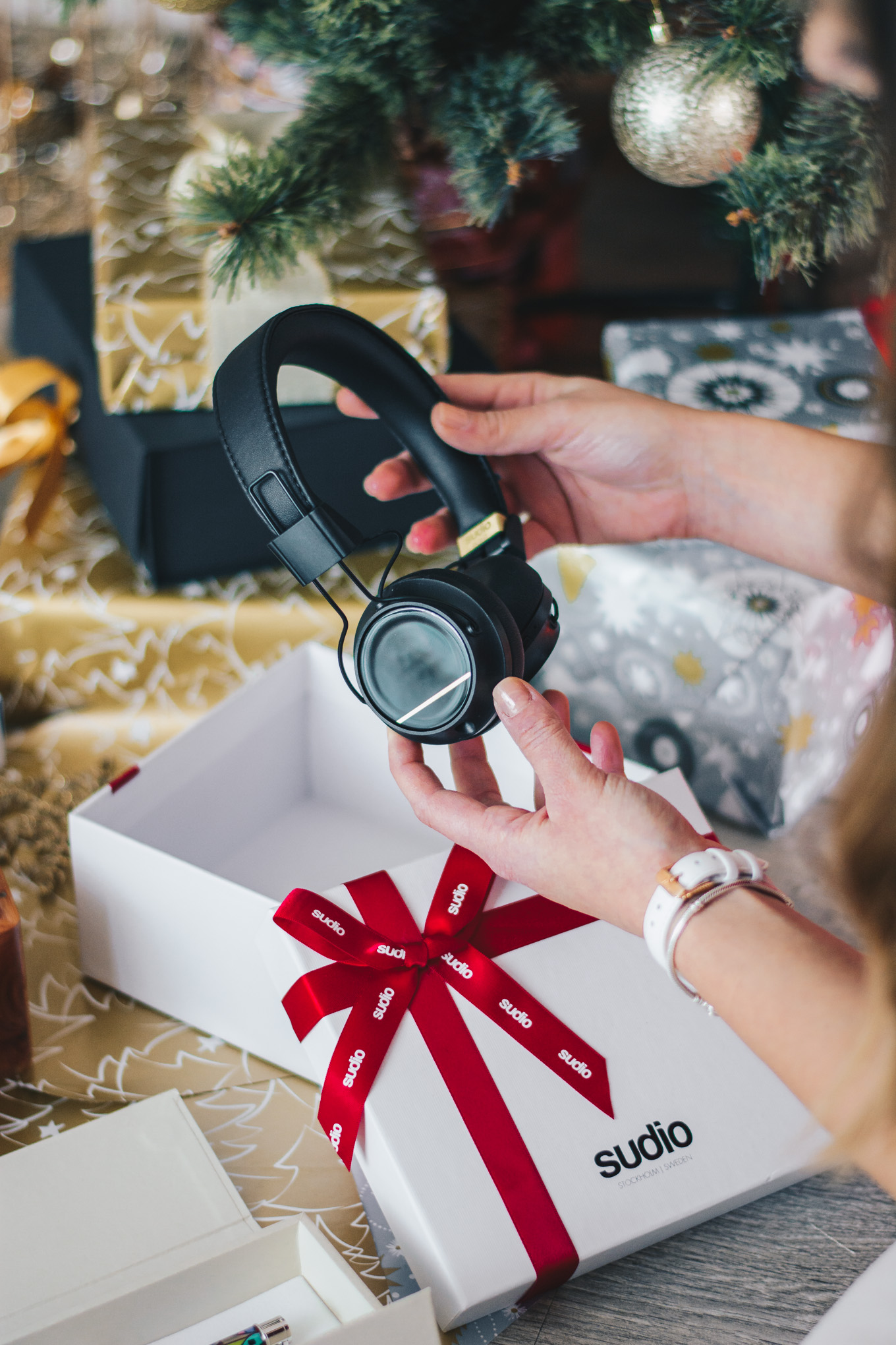 Sudio bluetooth headphones gift guide