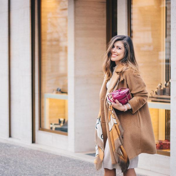Style blogger wearing alpaca coat - палто от алпака