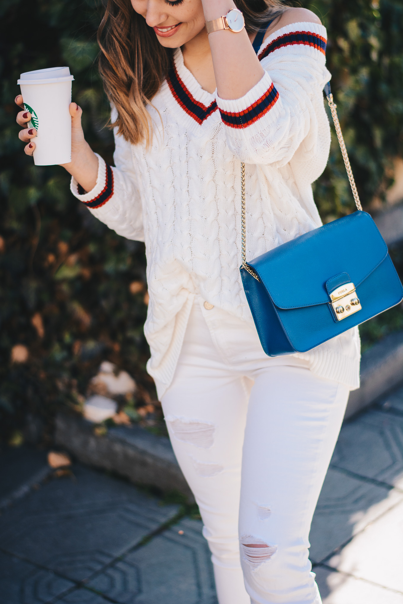 Fashion blogger all white