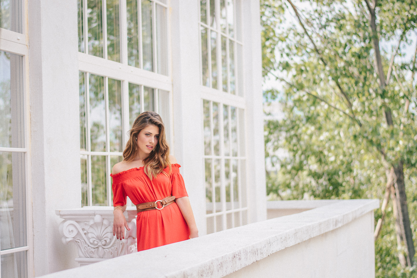 Lady in red blogger