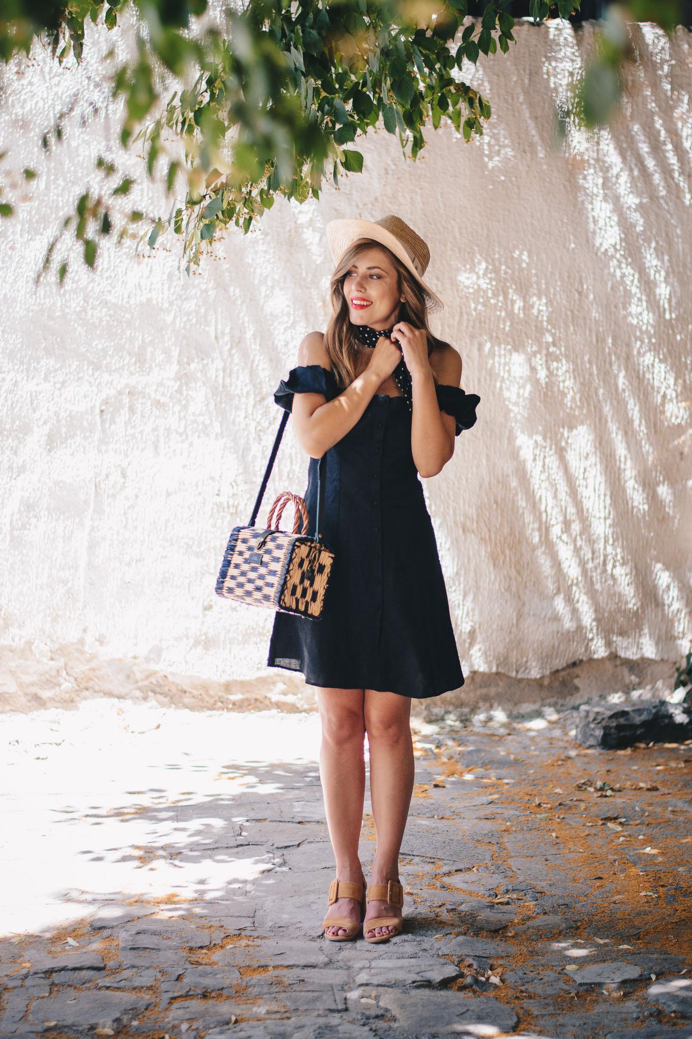 Black linen dress Zara blogger