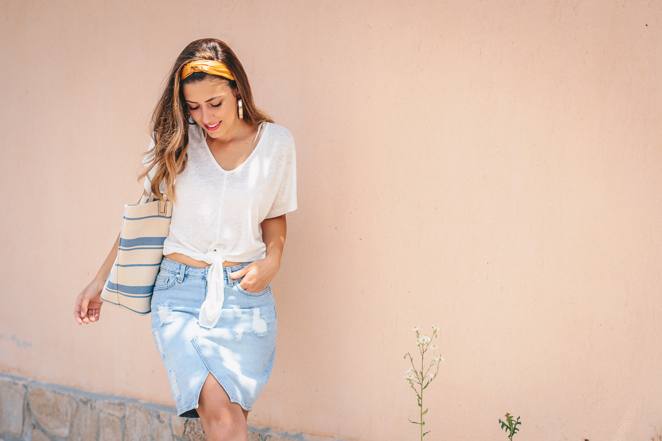Denim skirt retro look