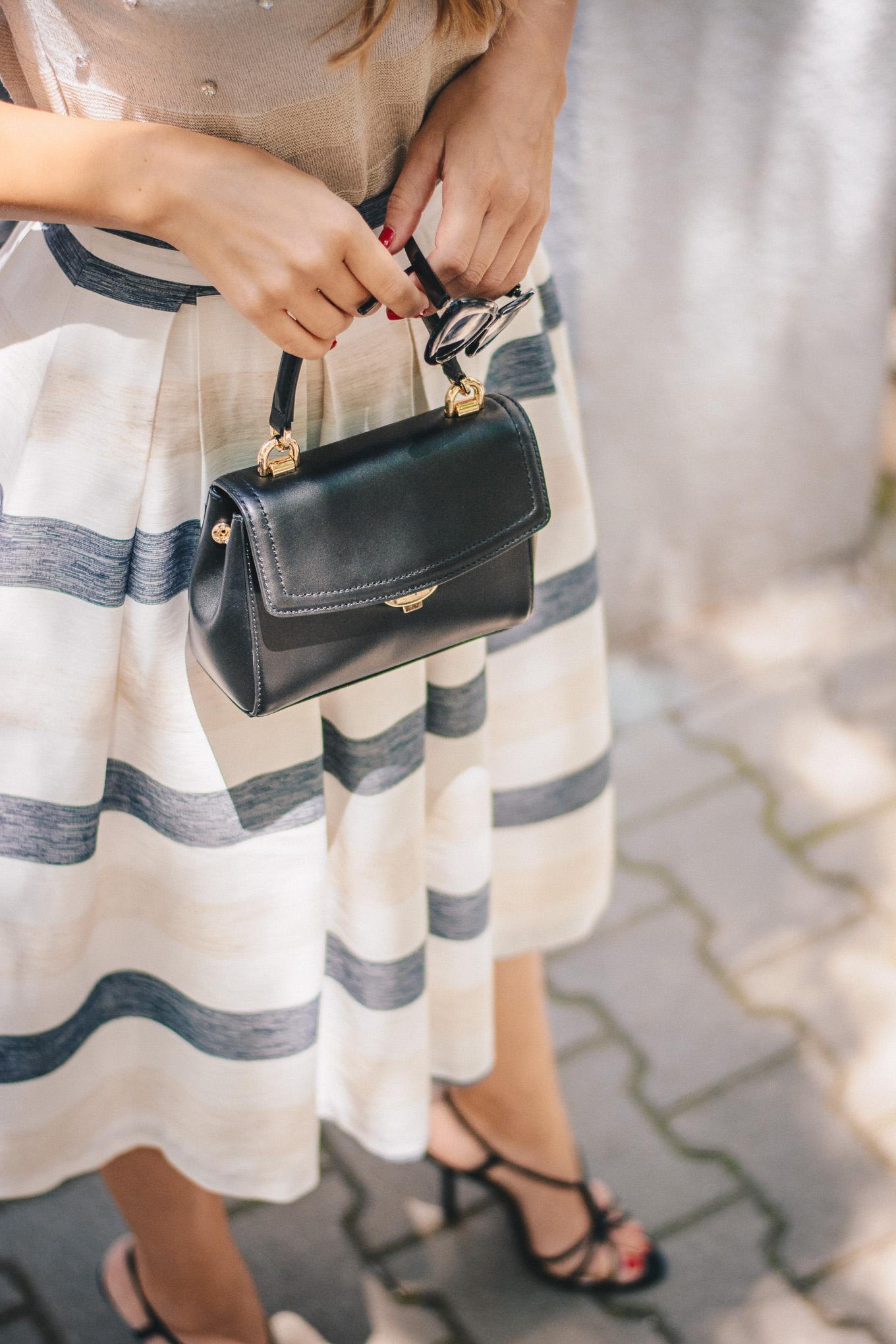 Michael Kors little hand bag
