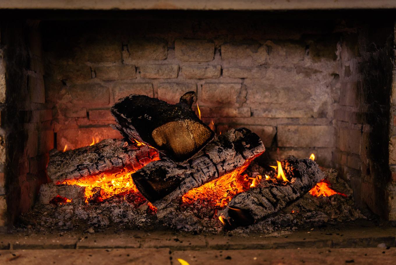 Уютна камина хижа Алеко