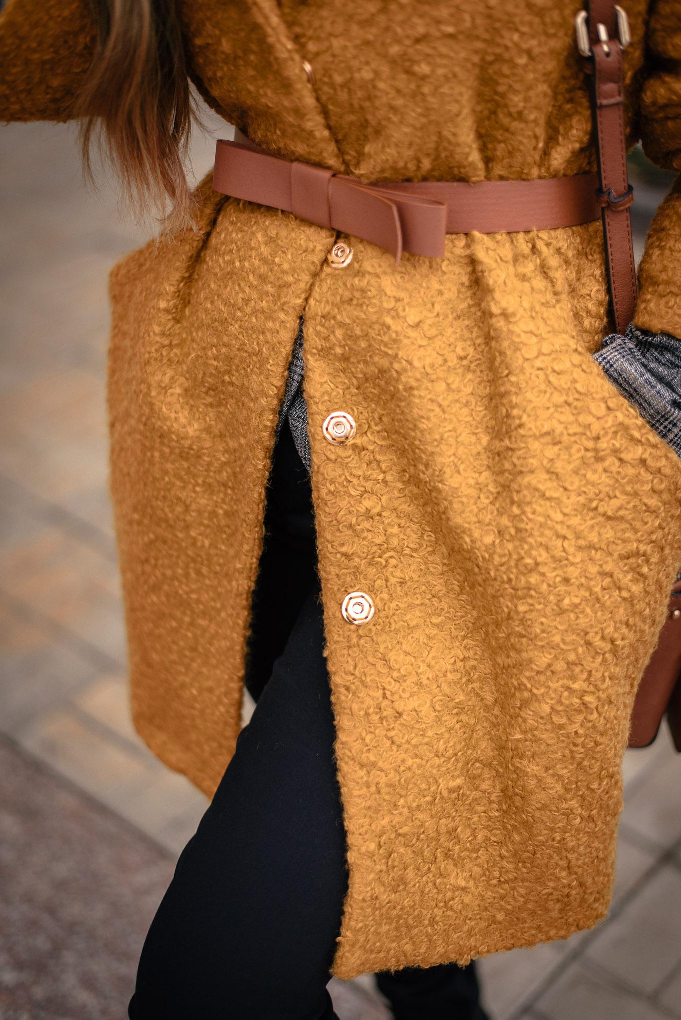Mustard coat details