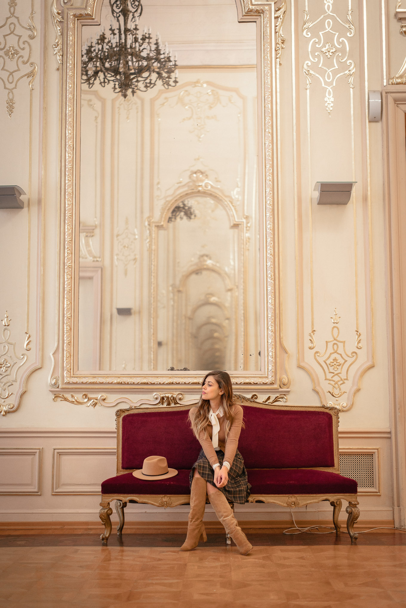 Royal french fashion blogger