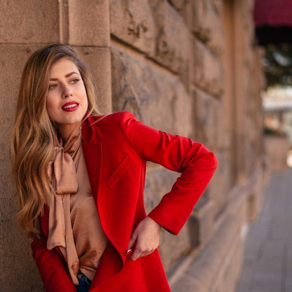 wearing a red blazer for everyday elegance - КАК НОСЯ ЧЕРВЕН БЛЕЙЗЪР В ЕЖЕДНЕВИЕТО