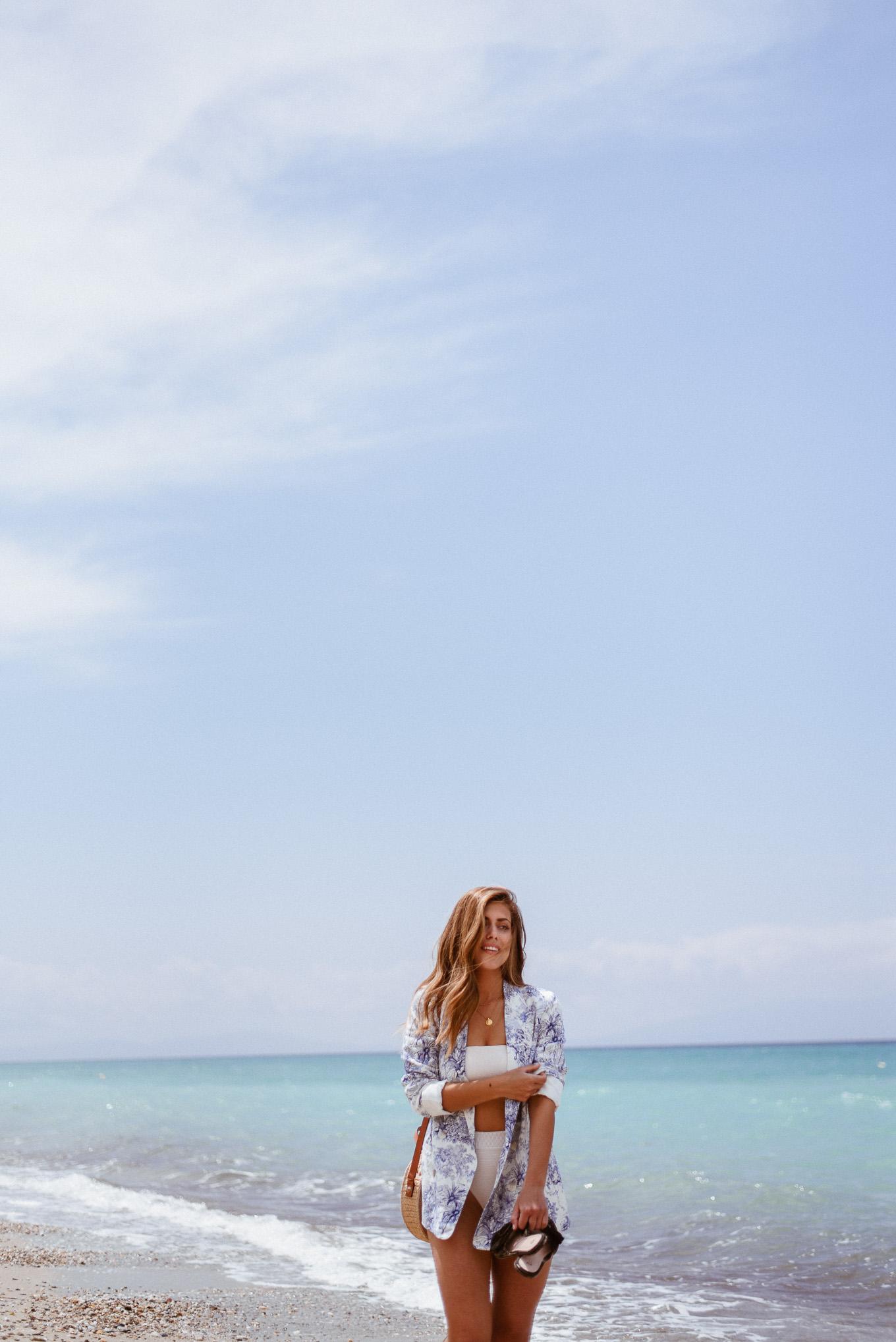 H&M bikini girl